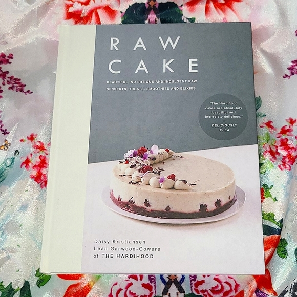 RAW CAKE Recipe Book